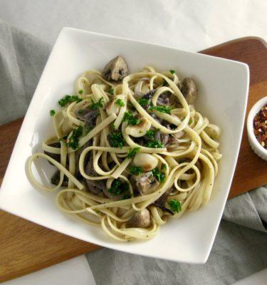 Linguini with Mushrooms, Garlic and Truffle Oil